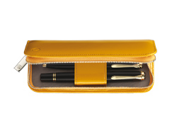 01/2010 Yellow Lackleder-Etui...